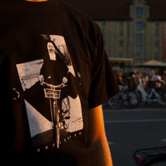 T-shirt Stockholm Bike Nun