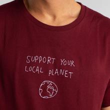T-shirt Stockholm Local Planet Vinröd