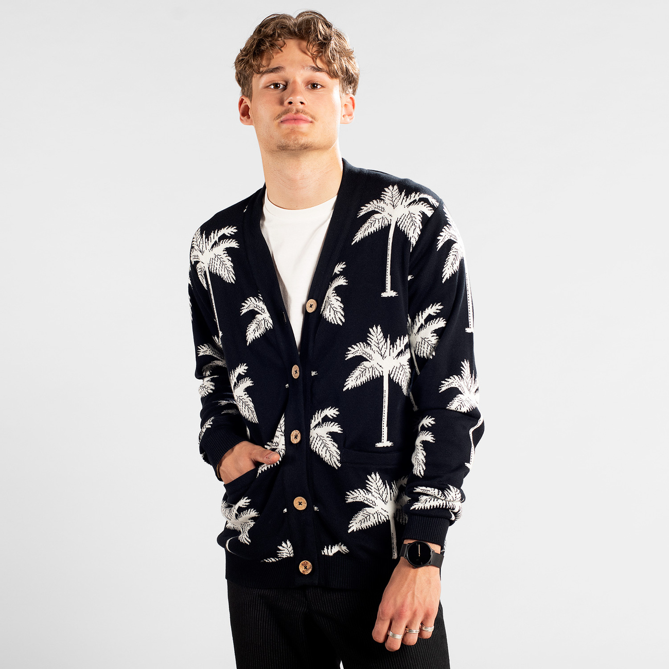 Cardigan Molkom Palms Black