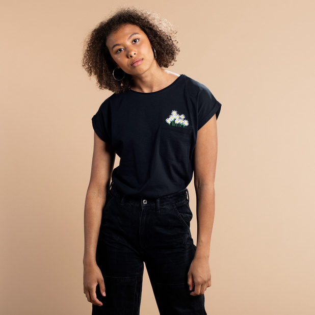 T-shirt Visby Flower Pocket