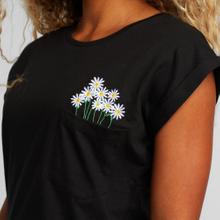T-shirt Visby Flower Pocket Black