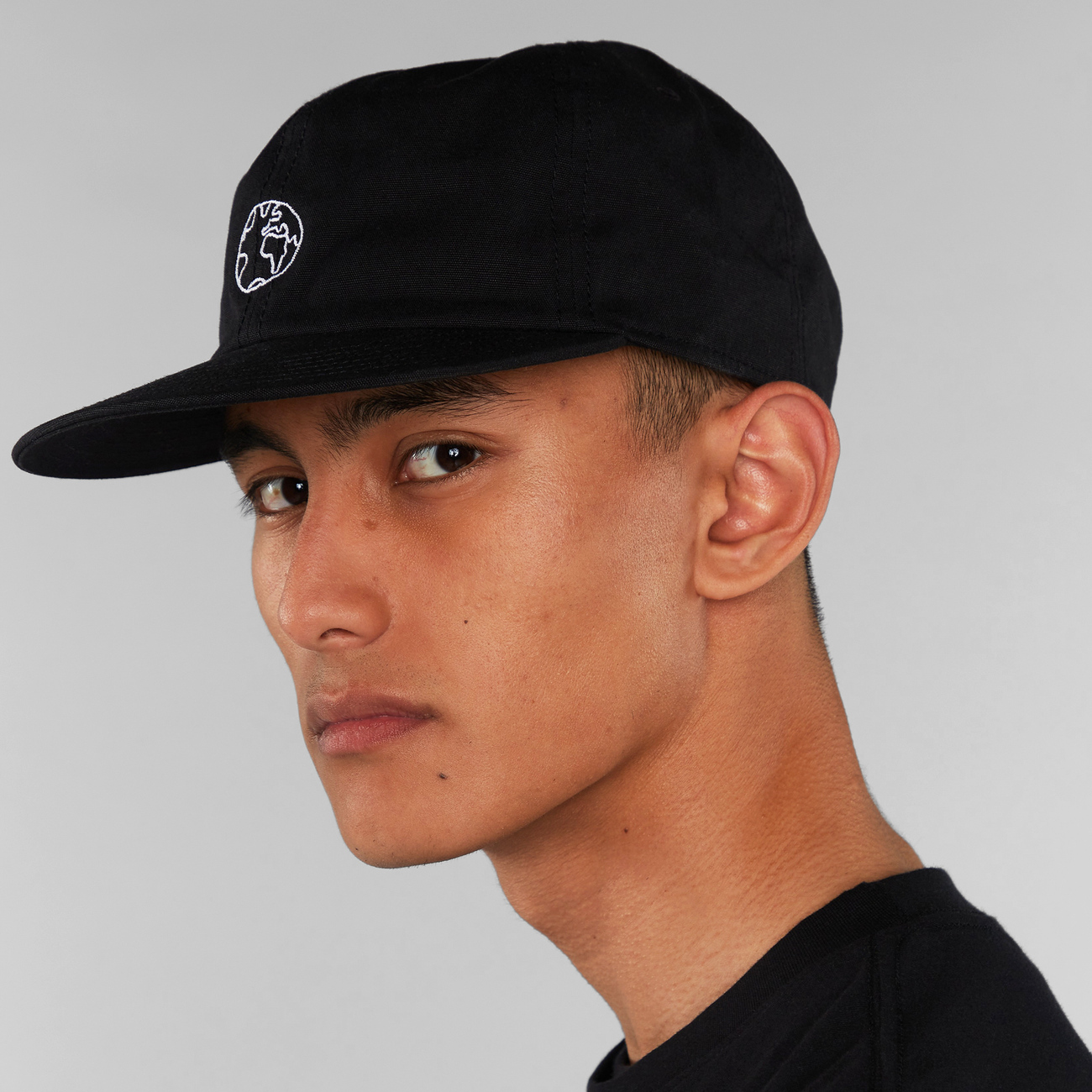 Unconstructed Cap Globe Black